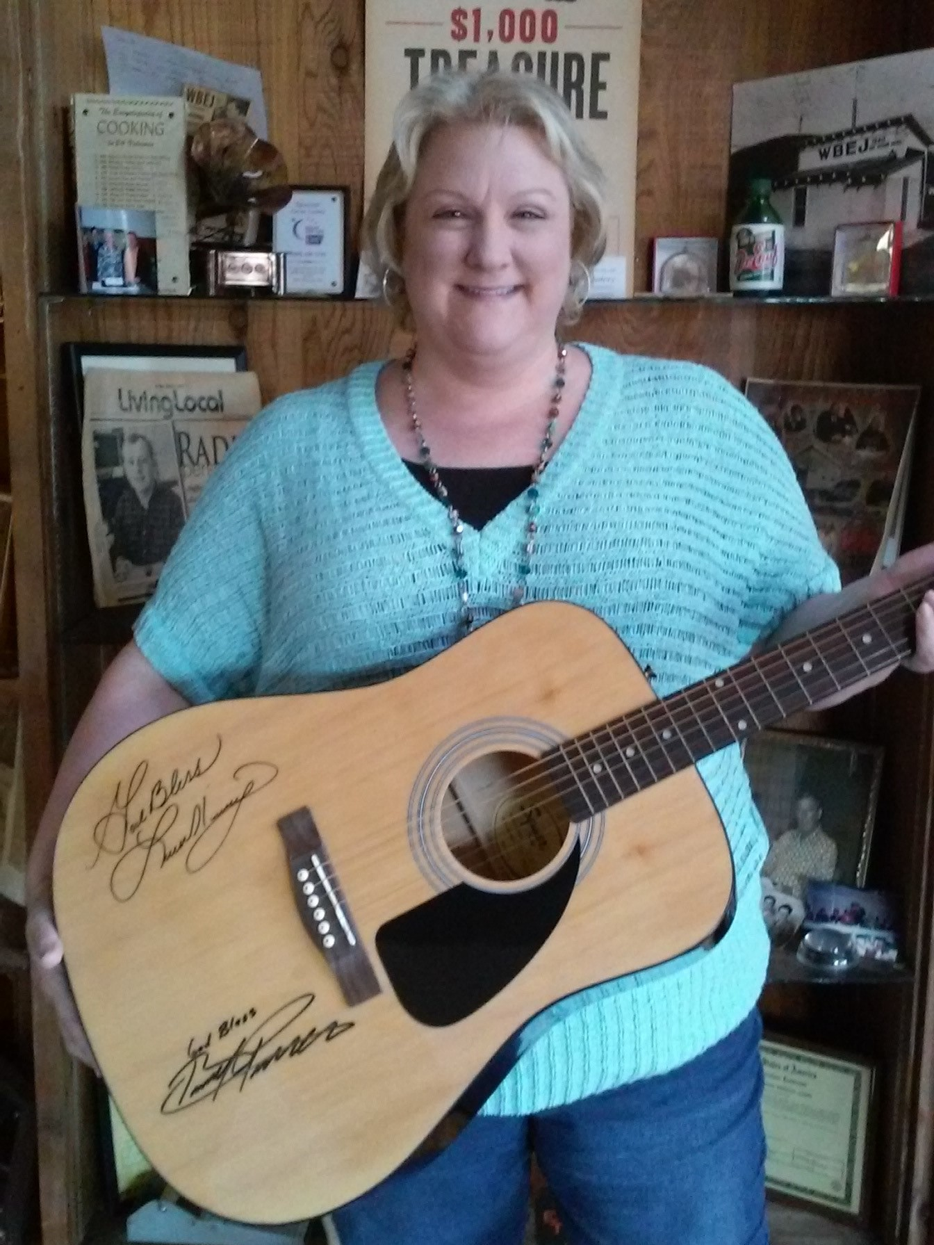 Amy Bryan guitar winner 4